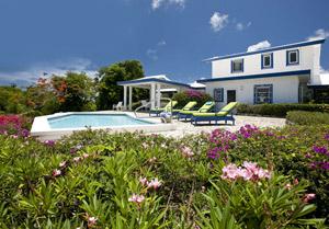 BellaVida070912-Pool2