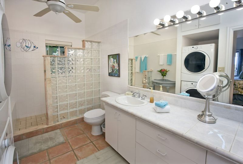 Mandavilla-Bathroom
